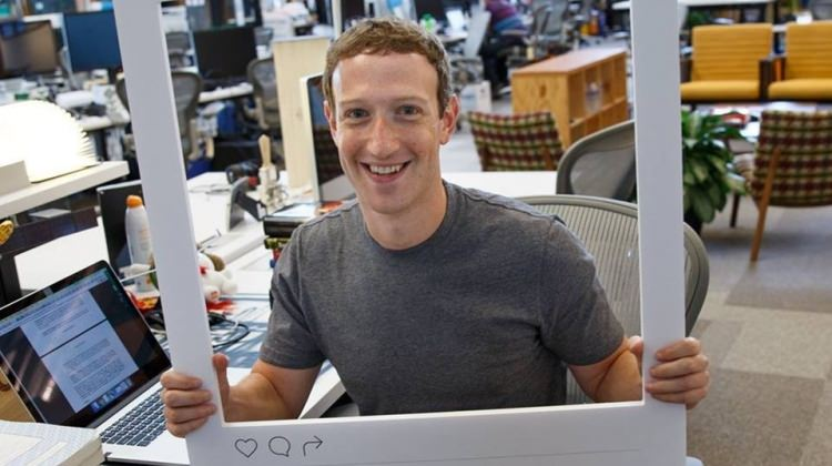 Mark Zuckerberg bile 'laptop'unu bantlıyor!