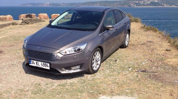TEST: Ford Focus Sedan 1.5 TDCi PowerShift