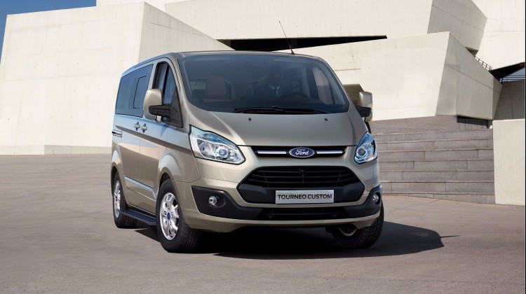 Ford Tourneo Custom yenilendi